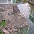 水紳様と思われる石柱と祠(北側から)